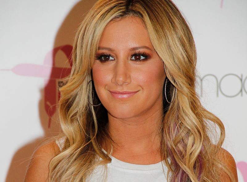 Ashley Tisdale got nose Job